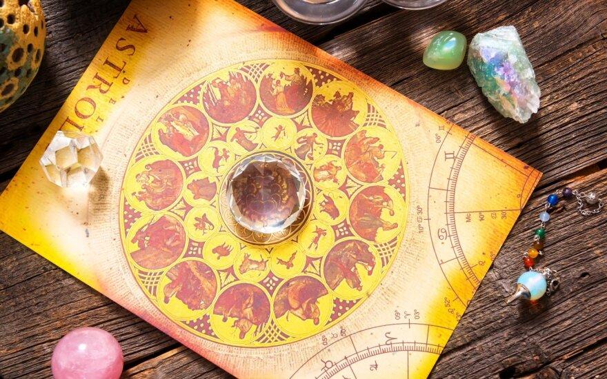 Astrologės Lolitos prognozė lapkričio 6 d.: versis naujų galimybių durys