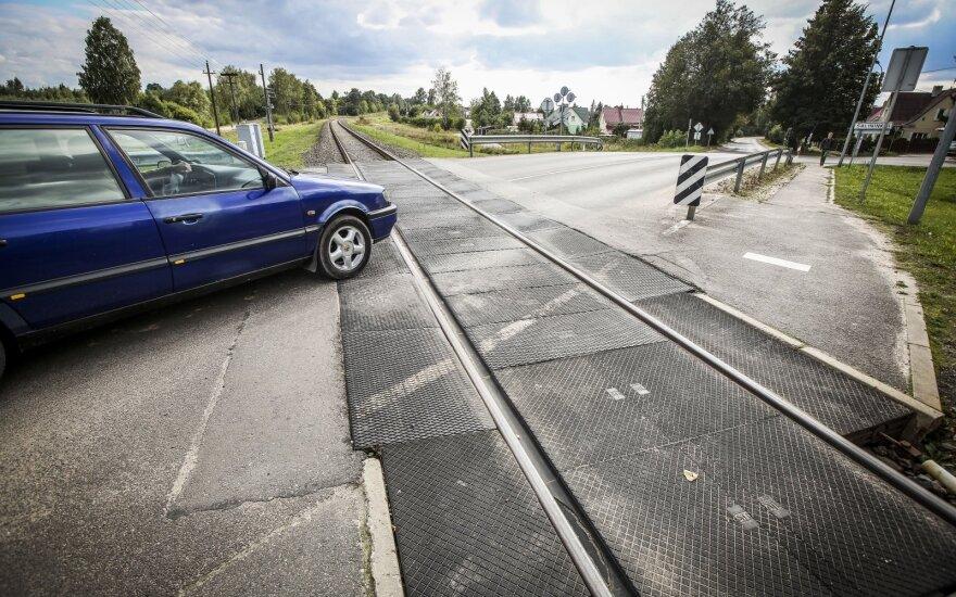 Lietuvoje bus atnaujinta 14 svarbių geležinkelio pervažų