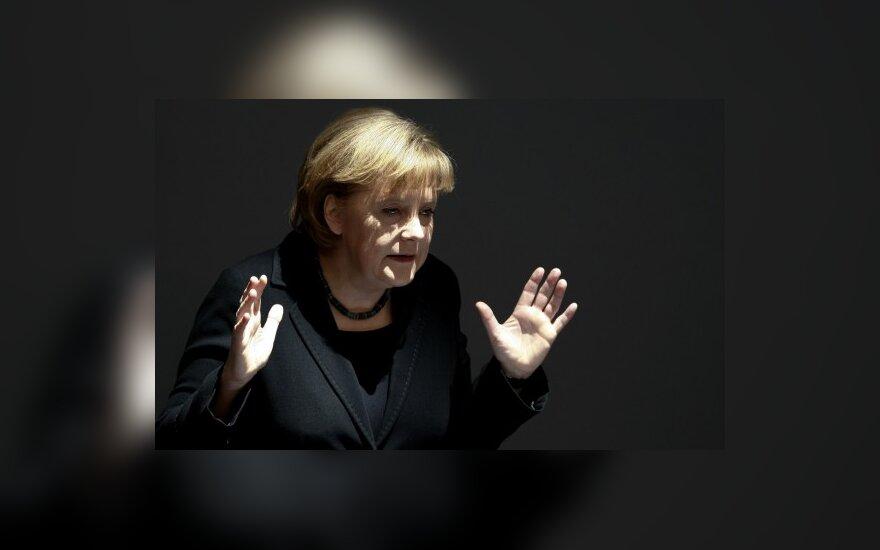 Nusprendusi padėti Graikijai, Vokietija turės labiau taupyti pati ir atidėti mokesčių sumažinimą