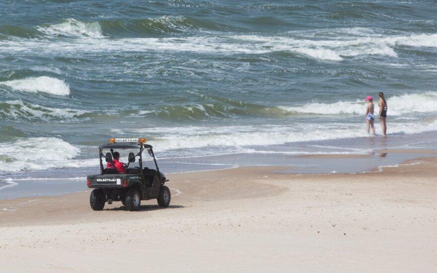 Paplūdimyje bangų išsigandusi mergaitė išgyveno visam gyvenimui įsiminusią pažintį