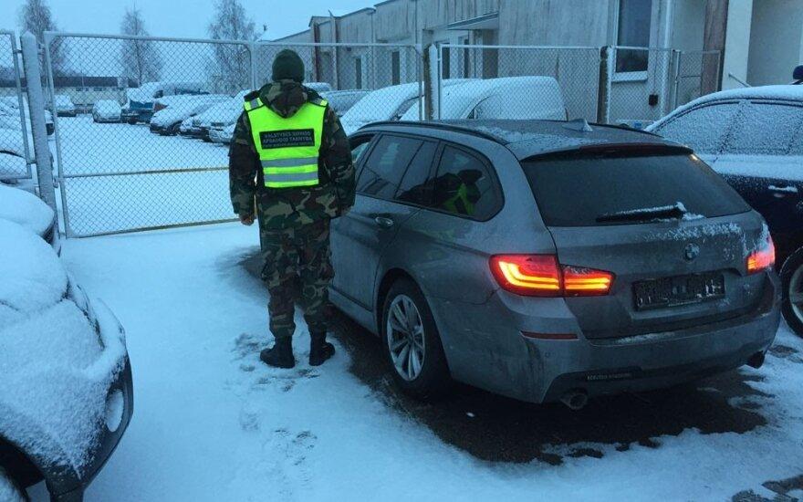 Nepriekaištingi asmens dokumentai nesuklaidino: pričiupo su vos prieš pusantros paros Vokietijoje vogtu BMW