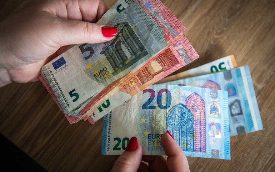 Rinkoms laukiant ECB posėdžio rezultatų, euro kursas patraukė žemyn JAV dolerio atžvilgiu