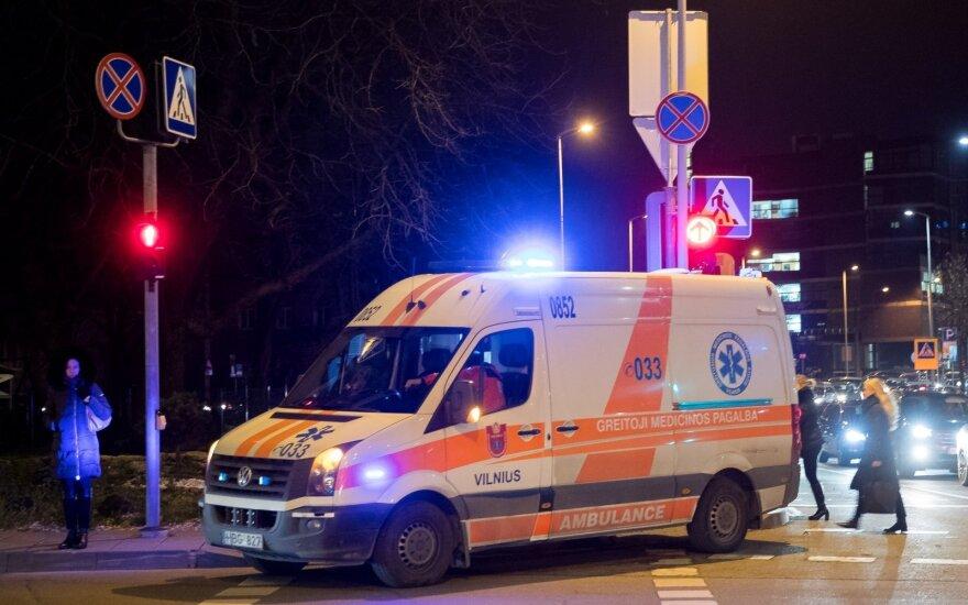 Aiškėja detalės apie Kauno klinikų teritorijoje mirusį vyrą: pats prašė išleisti namo