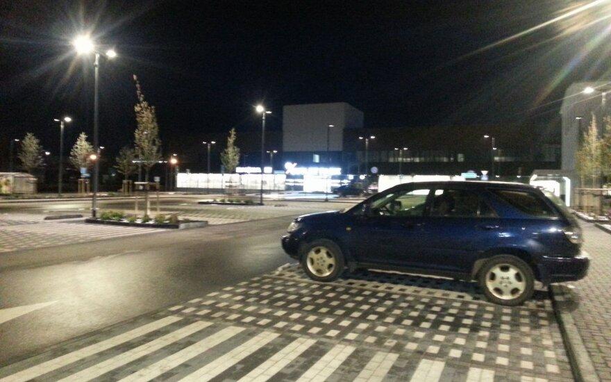 Į aikštelę grįžusio vairuotojo laukė nemalonus siurprizas