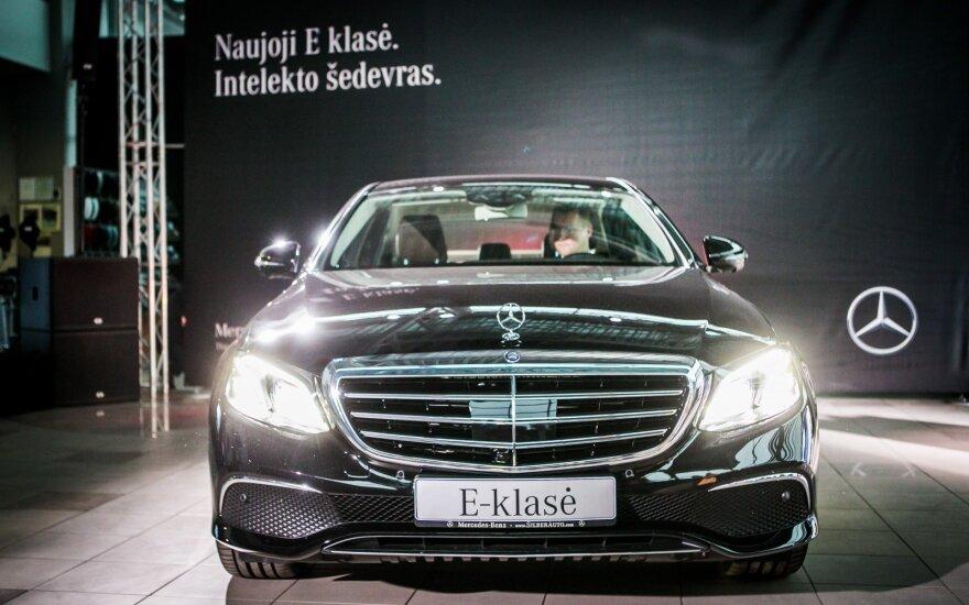 """E klasės """"Mercedes-Benz"""" debiutavo ir Lietuvoje"""