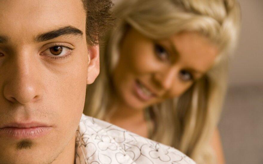 Skaudžios istorijos: jis mane išdavė su moterimi, kurią aš pažįstu