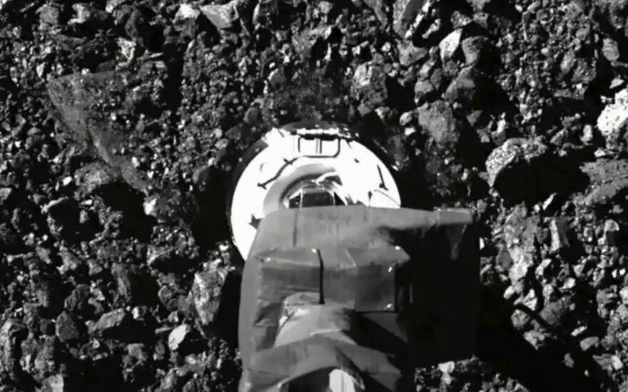 NASA zondui tikriausiai sėkmingai pavyko paimti asteroido grunto mėginį