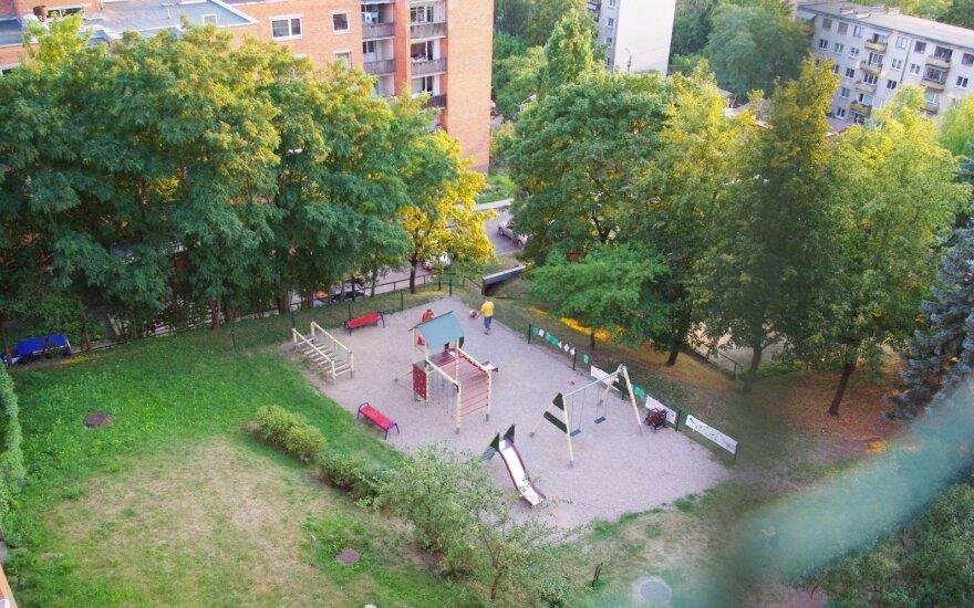 Po kaimyno skundo – grėsmė prieš 3 metus Vilniuje pastatytai žaidimų aikštelei