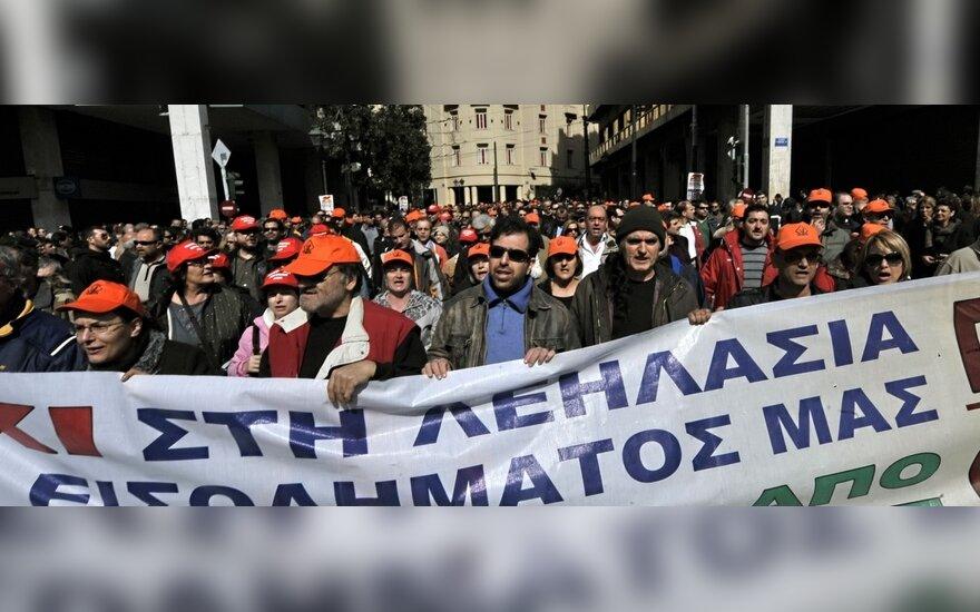 Graikiją papiktino reitingų agentūros sprendimas
