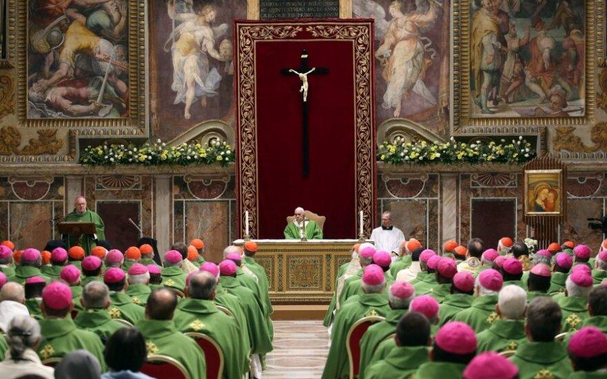 Vatikane baigėsi susirinkimas, kuriame spręsta seksualinio smurto problema
