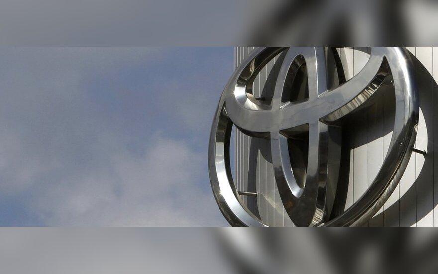 """""""Toyota"""" pristatys dar du naujus hibridus"""