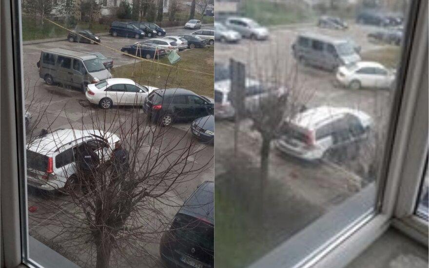 """Panevėžyje paryčiais nugriaudėjo sprogimas: rastas apgadintas """"Volvo"""" automobilis"""