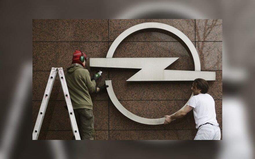 """Vengrija skirs paramą """"Audi"""" ir """"Opel"""""""