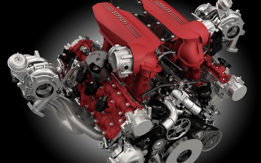 """Ferrari 488 GTB"" 3.9 litro V8 variklis"
