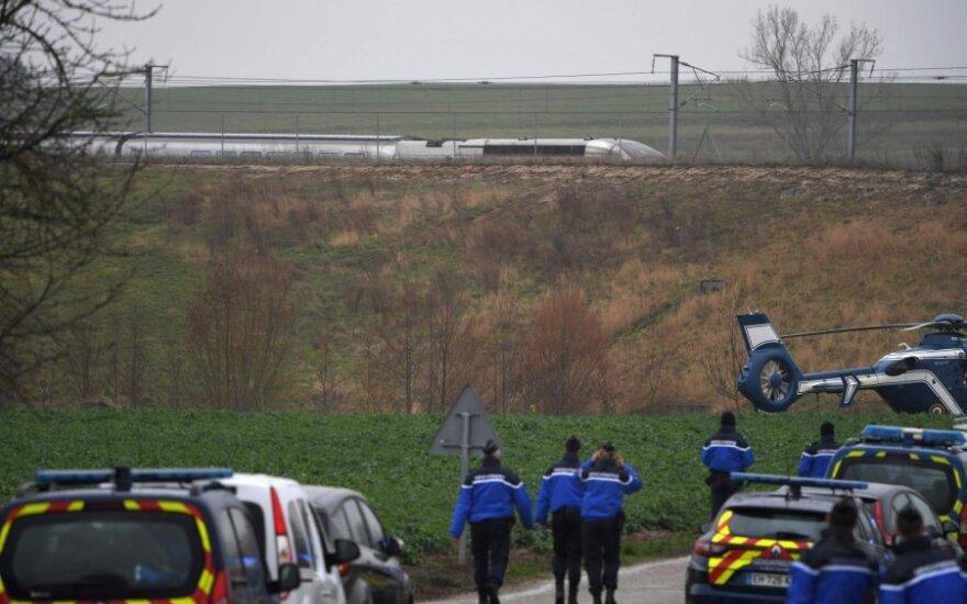 Prancūzijoje nuo bėgių nulėkus greitajam traukiniui TGV, sužeistas 21 žmogus