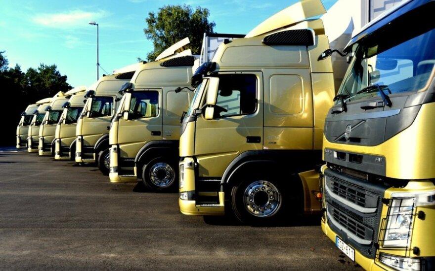 Volvo sunkvežimių 3x2 bandymai