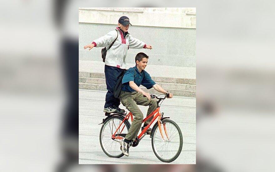 Oranžinis dviratis