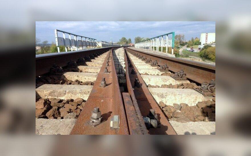 Traukinį sustabdė skaudi nelaimė
