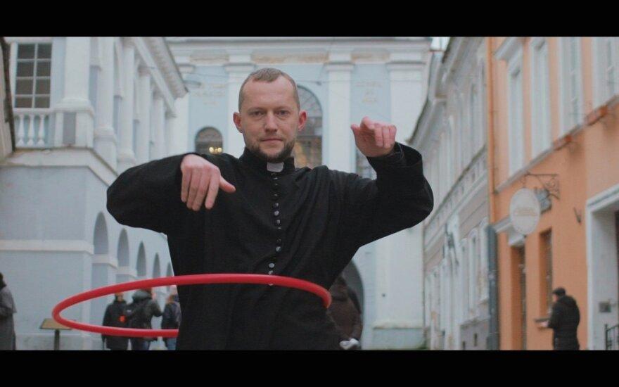 Kadras iš Tomo Sinickio vaizdo klipo FOTO: Petras Skukauskas