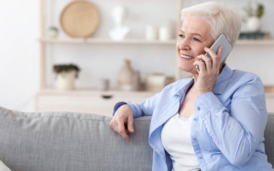 Telefonas senjorams turi būti patogus