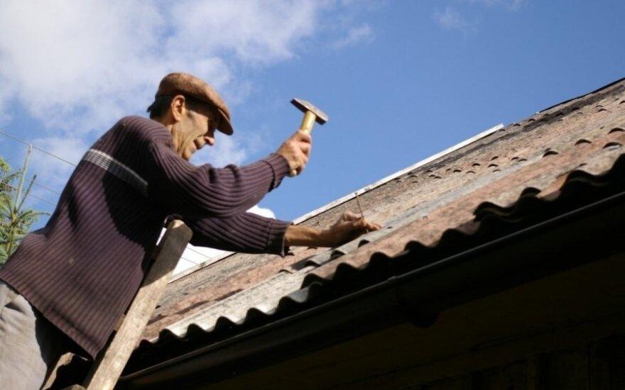 Norintys pasikeisti asbesto stogus turėtų suskubti