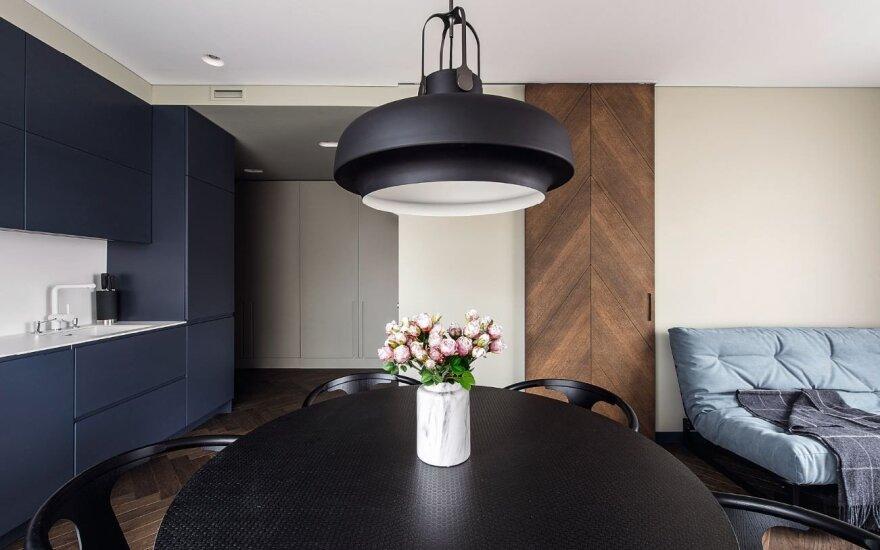 Apgaulingai paprastas interjeras: mažas butas tapo modernus ir jaunatviškas