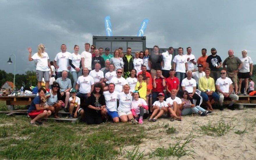 Įvyko pirmasis Kuršių marių plaukimo maratonas, skirtas Lietuvos šimtmečiui paminėti