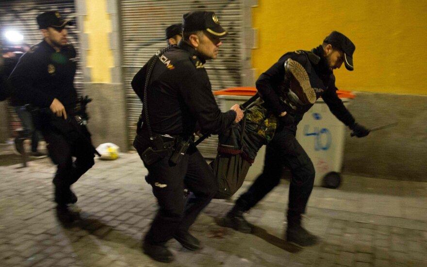 Madride po gatvės prekiautojo mirties įsiplieskė neramumai