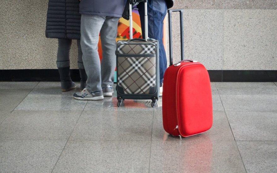 """""""Ryanair"""" ir """"Wizz Air"""" pradeda taikyti naują bagažo politiką"""