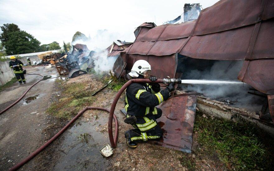Po DELFI straipsnio KAM tiria žvalgybininko elgesį ir gaisro Lentvaryje aplinkybes