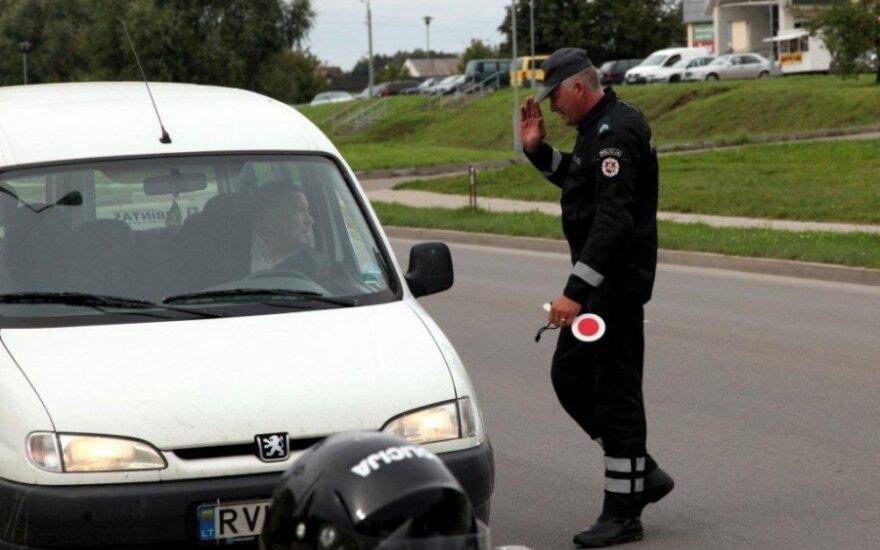 Savaitgalį policijai įkliuvo 184 neblaivūs vairuotojai