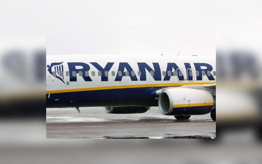 """""""Ryanair"""" skausmingai moko klientus naudotis internetu"""