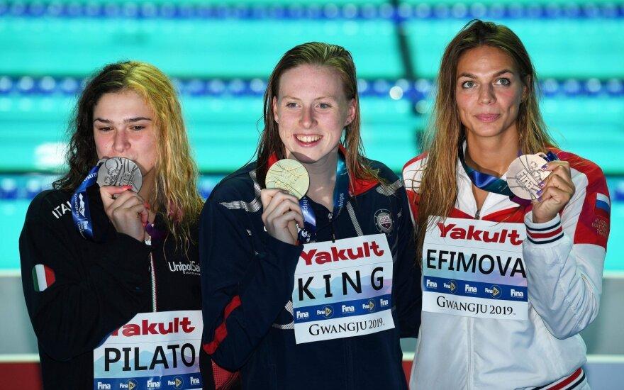 Rusų nesėkmės: Jefimova finale nusileido ir 14-metei paauglei, ir King, auksą iš vyrų panosės netikėtai pastvėrė afrikietis