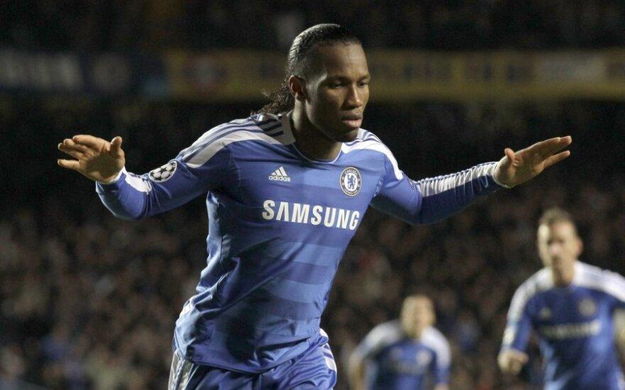 """D.Drogba lieka """"Chelsea"""" klube iki sezono pabaigos"""