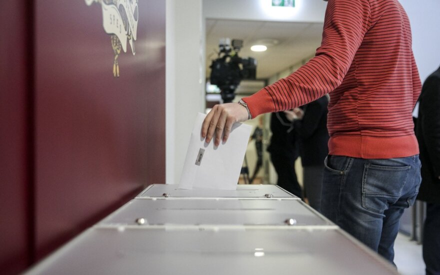 Tęsiamas išankstinis balsavimas savivaldos rinkimuose