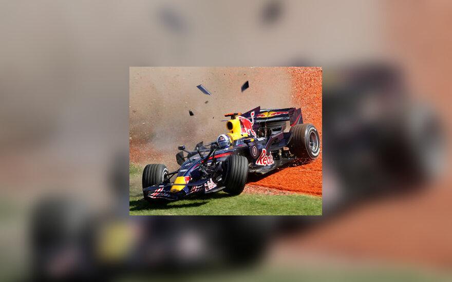 """Davidas Coulthardas (""""Red Bull"""")"""