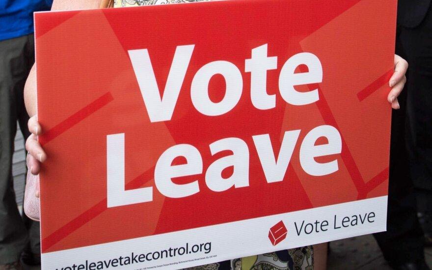 """Britanijos partijos atnaujino derybas dėl """"Brexit"""""""
