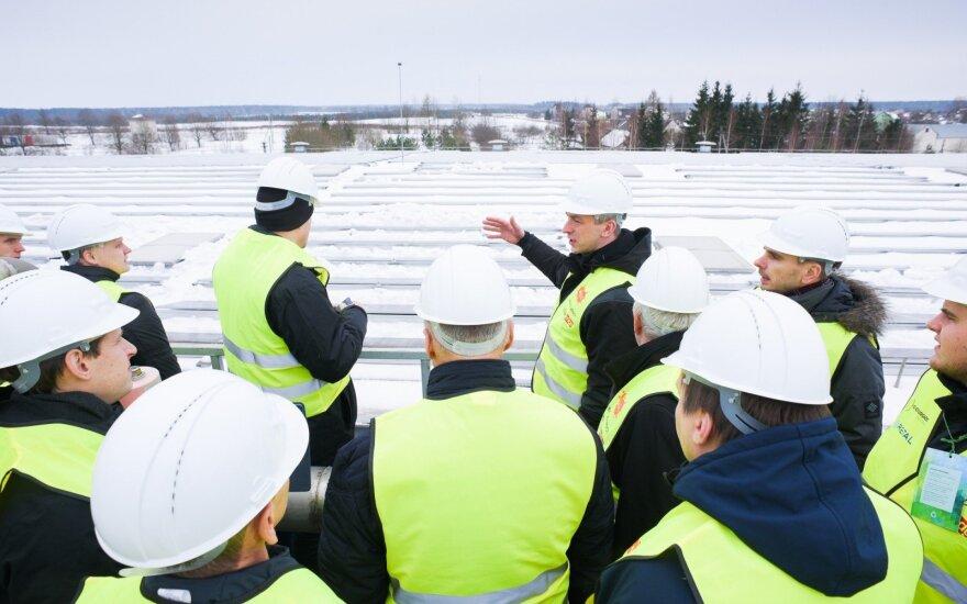 Lentvaryje atidaryta didžiausia Baltijos šalyse saulės elektrinė, įrengta ant stogo