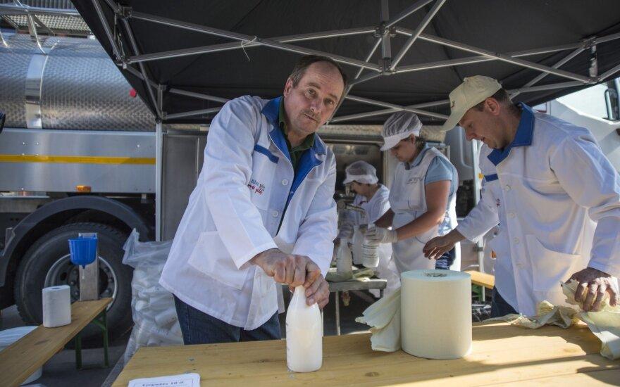 Lietuvos pieno gamintojai pirmadienį protestuoja Briuselyje