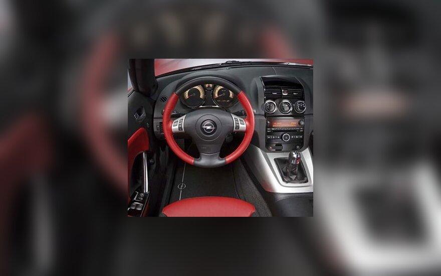 """""""Opel"""" planuoja """"skyrybas"""" su """"General Motors"""""""