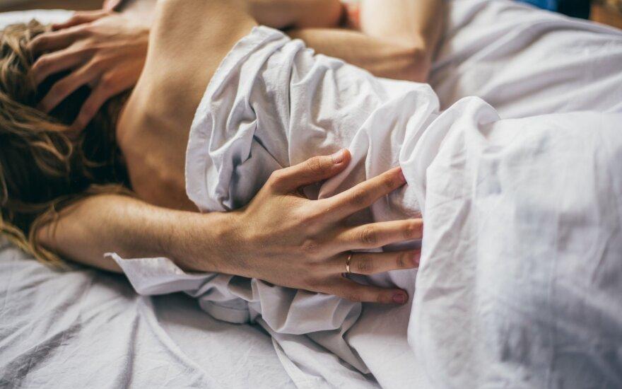 Daug besimylinčių porų įpročiai: ko vertėtų pasimokyti?
