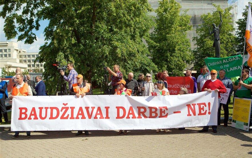 300 protest Seimas Labour Code liberalization proposal