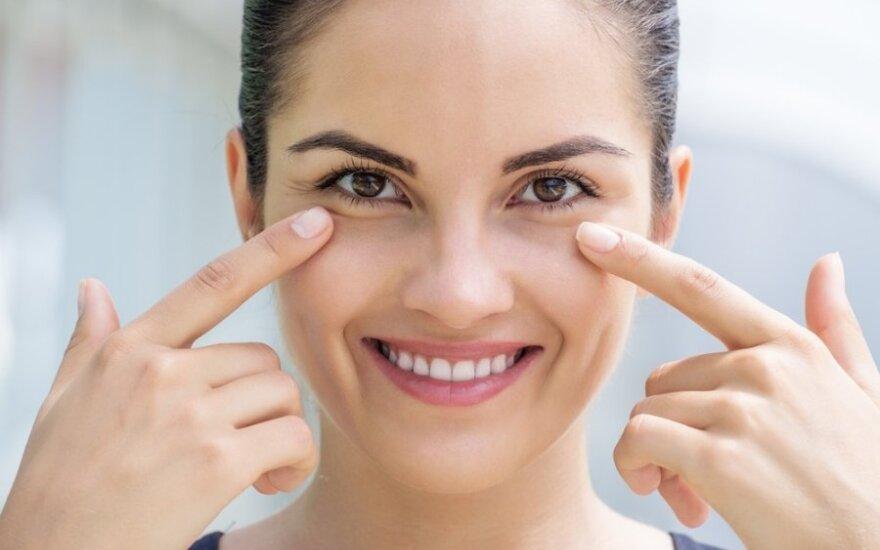 Akių grožis: kaip kovoti su pirmosiomis raukšlėmis