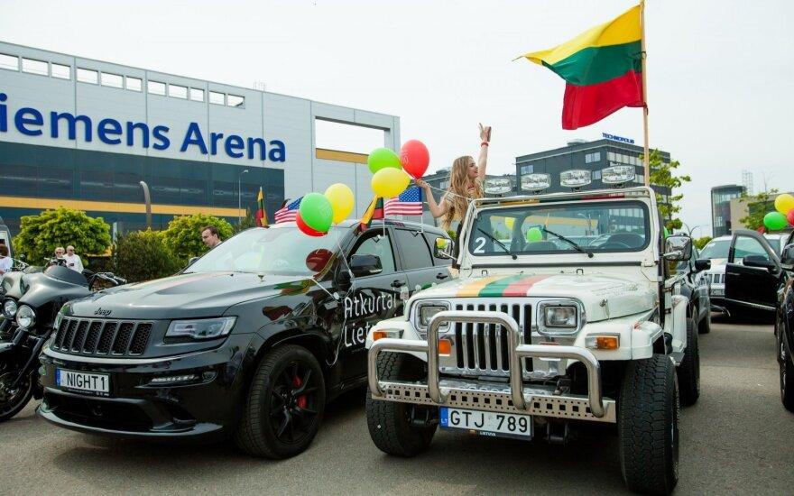 """""""Jeep"""" gerbėjai Lietuvai dovanojo tautišką rekordą"""