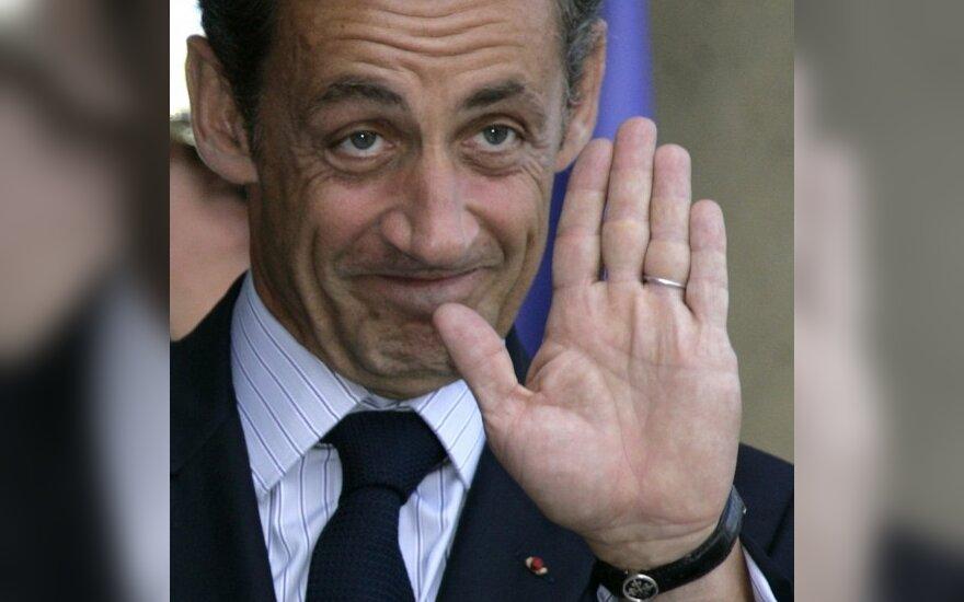Teismas sukčiavimo byloje priteisė N.Sarkozy vieną eurą