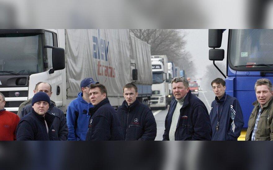Sunkvežimių vairuotojų sunkumai, apie kuriuos dažniausiai nenorima girdėti