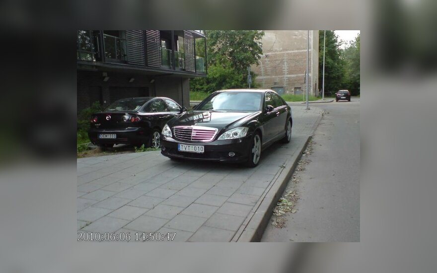 Vilniuje, Sluškų g. 7. 2010-06-06, 14.50 val.