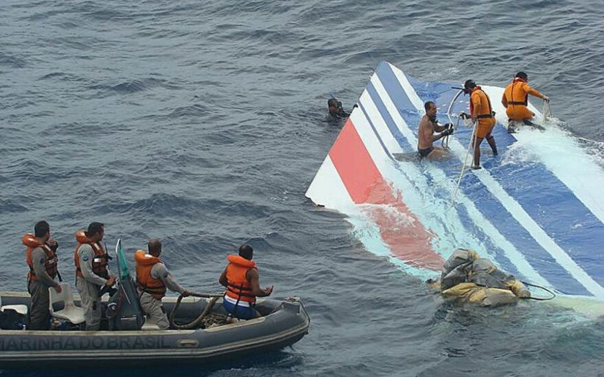 """Nustatė """"Air France"""" lėktuvo katastrofos priežastis"""