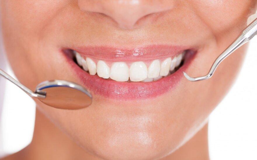 Dantų balinimas: namuose ar gydytojo kabinete?