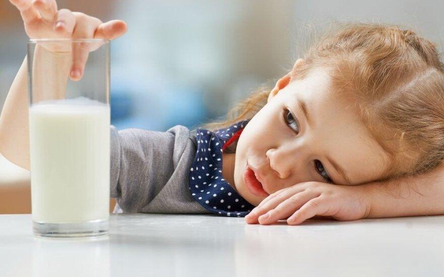 Pieno produktai vaikams: kuriais jų nereikėtų piktnaudžiauti?
